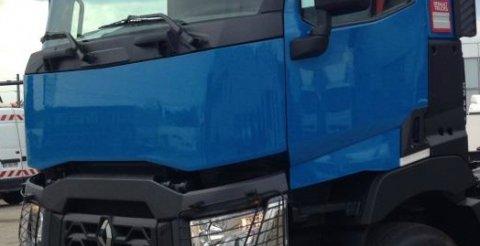 camion RT bleu